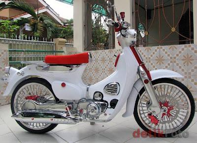 Modifikasi Honda C70 1972 Airbrush Pelek Ruji jari tdr