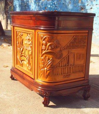 Pon linda tu casa muebles tallados for Muebles tallados en madera
