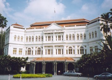 Raffles Hotel Singapore Pictures on Traveling Point  The Famous Raffles Hotel Singapore