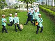 anak-anak sri al-ummah...gaya mereka menghiburkan....=)