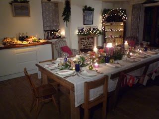 Friendly cottage 39 kirsties homemade christmas 39 decorations for Garden rooms kirstie allsopp