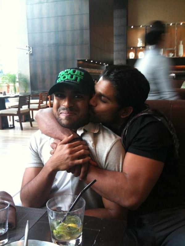 Stylish King ~ Allu Arjun: Allu Arjun Kissing Ram Charan!