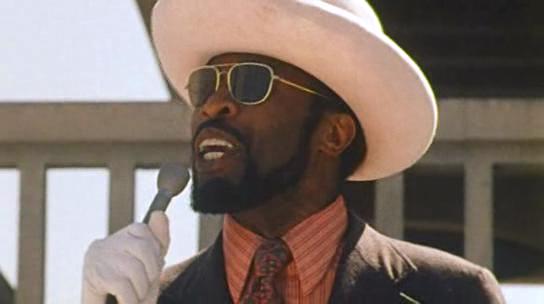 The Overseer, le mac, représente les fléaux de la communauté afro-américaine (la drogue, la prostitution, la violence.), tandis que Ra incarne une autre.
