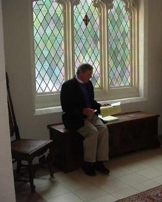 2004 Photo of Bishop Frank Vest
