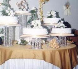 Torta de Bodas de Oro de cinco pisos