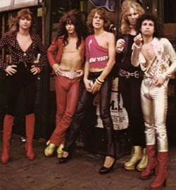 NEW YORK DOLLS - Cross-dressing na música e na mídia