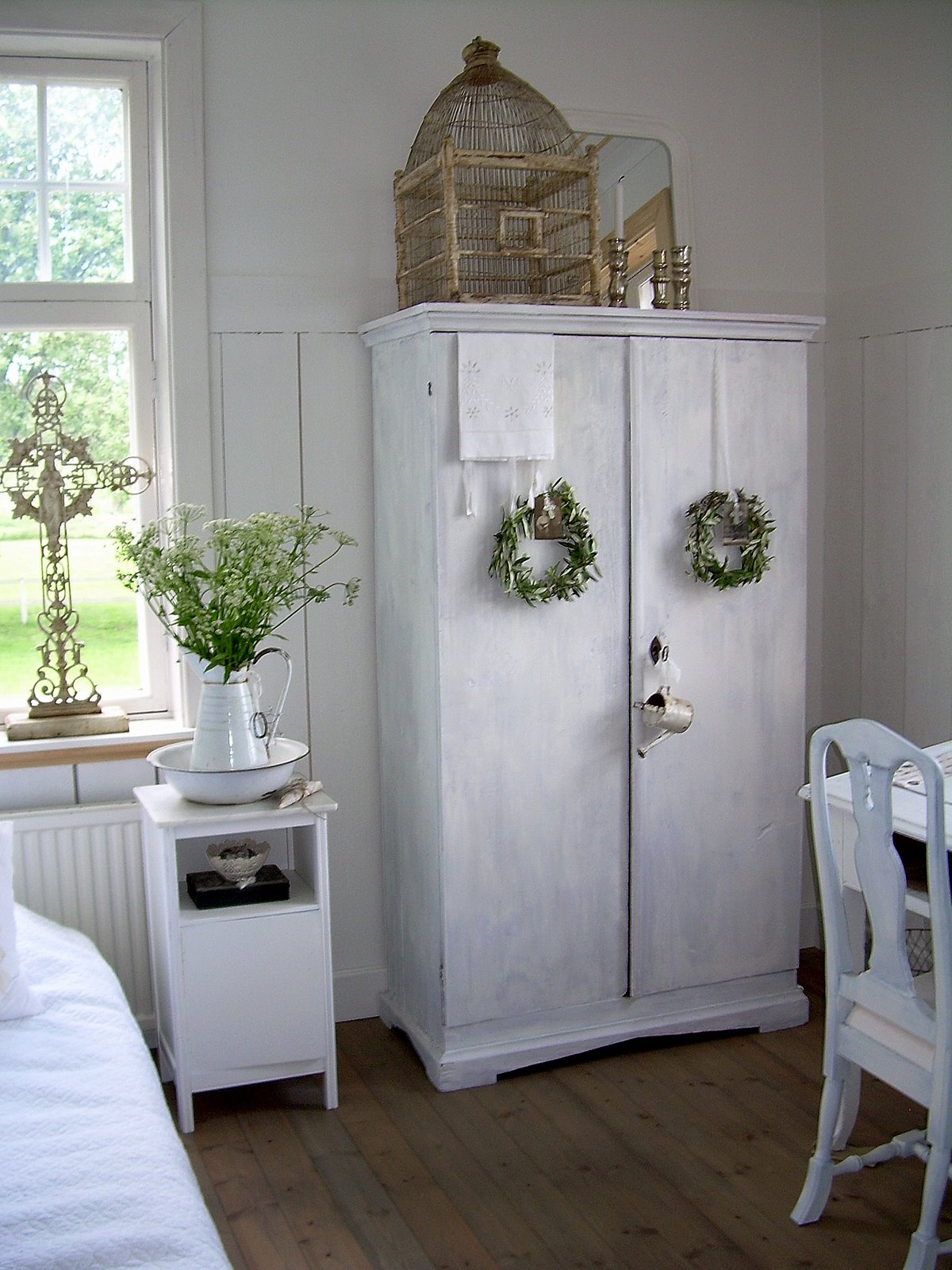 Estilo rustico la tecnica decape en muebles rusticos for Fotos de muebles antiguos restaurados