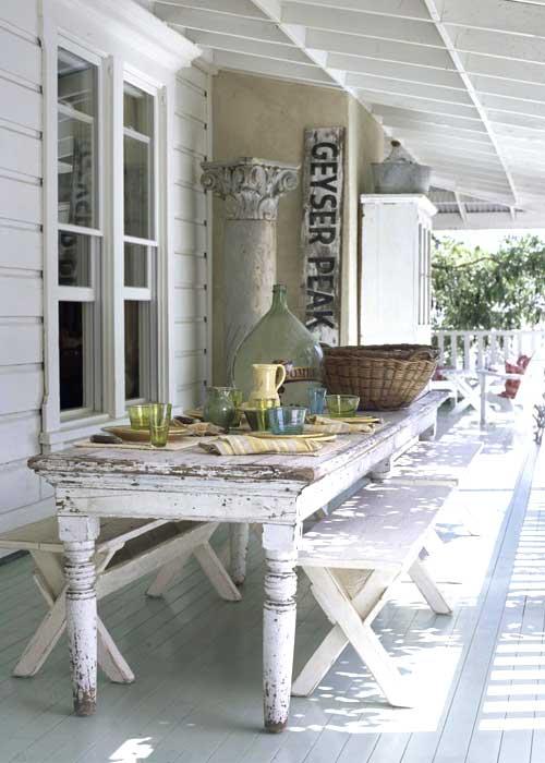inviernos estos porches son vidriados pero totalmente cerrados y el donde el sol abrasa en verano estos porches estan constituidos por largos faldones - Porches Rusticos