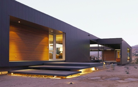 Desierto minimalista ii mervin diecast for Case prefabbricate in acciaio e vetro