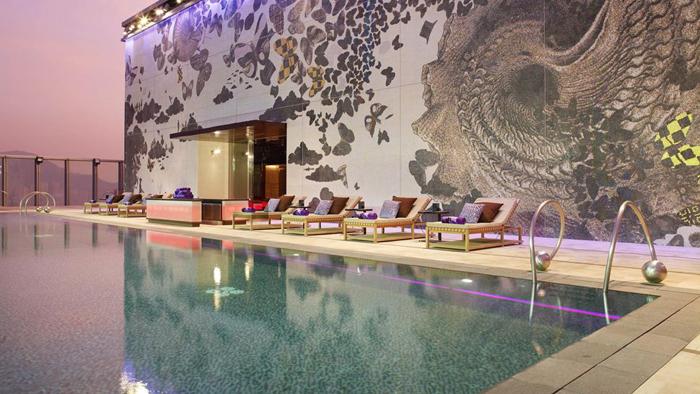 Casas minimalistas y modernas terrazas con piscinas y for Cool boutique hotels london