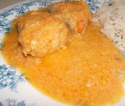 Bonito al curry con leche de coco / Bonito (poisson) au curry avec du lait de coco