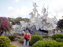 TRAVELOQUE.... BALI