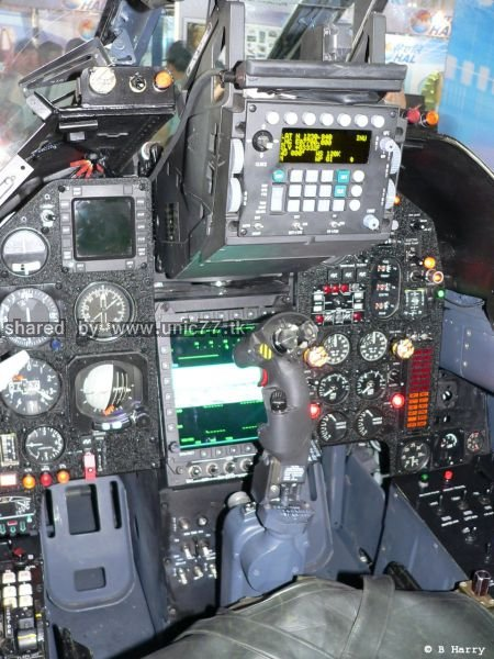 fighter_jet_cockpits_640_11.jpg (450×600)