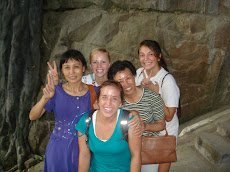 Chinese locals joined our photos!