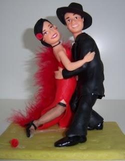 bonequinhos de biscuit aniversário de namoro