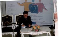 La Cotroceni, pe scaunul presedintelui, band apa presedintelui!
