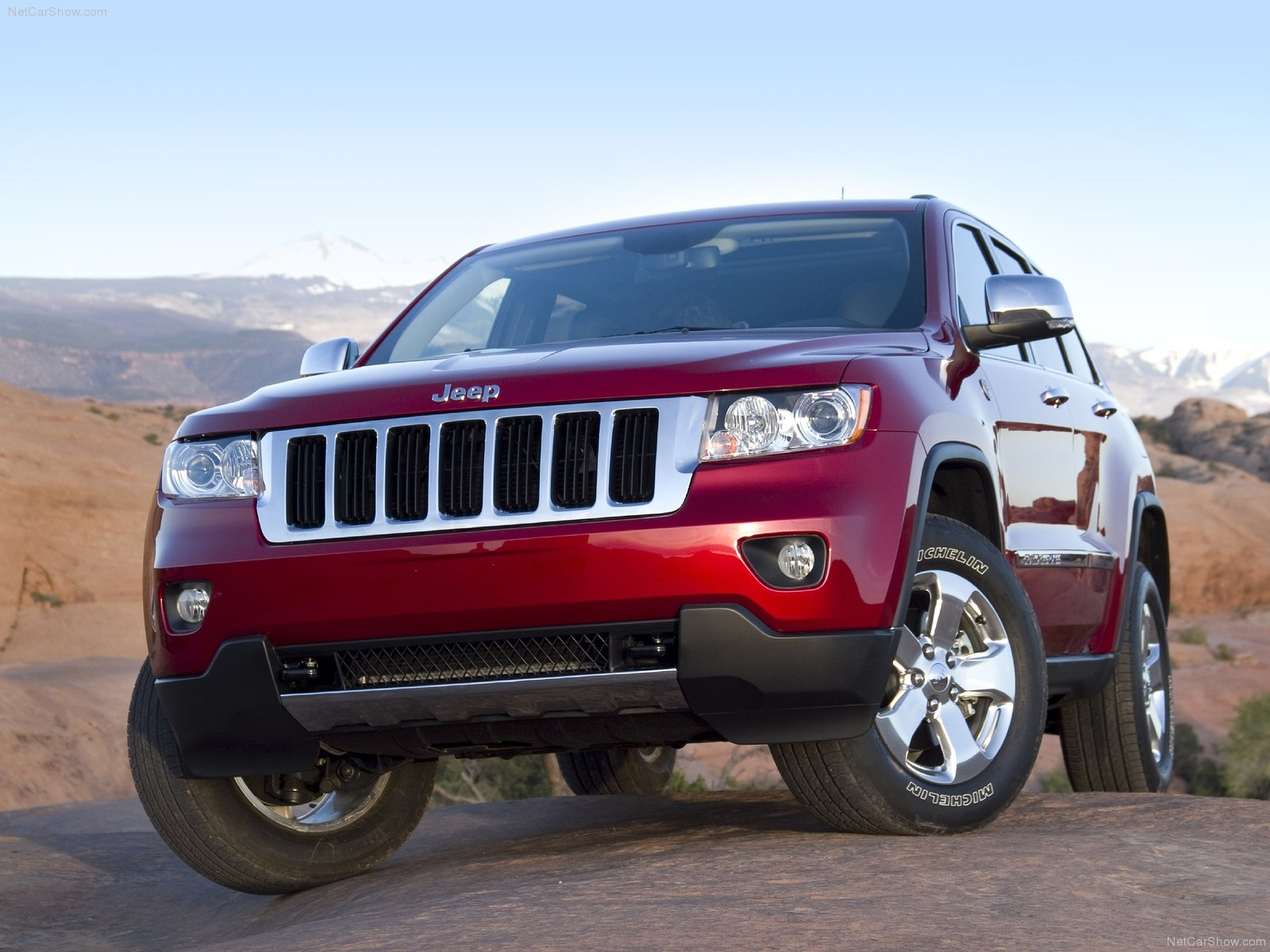 2011 JEEP GRAND CHEROKEE REVIEW AND SPECIFICATIONS
