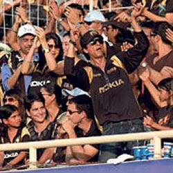 Priyanka, Rahul and Shah Rukh lending support to Kolkata Knight Riders