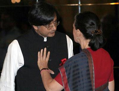Shashi Tharoor with Congress President Sonia Gandhi