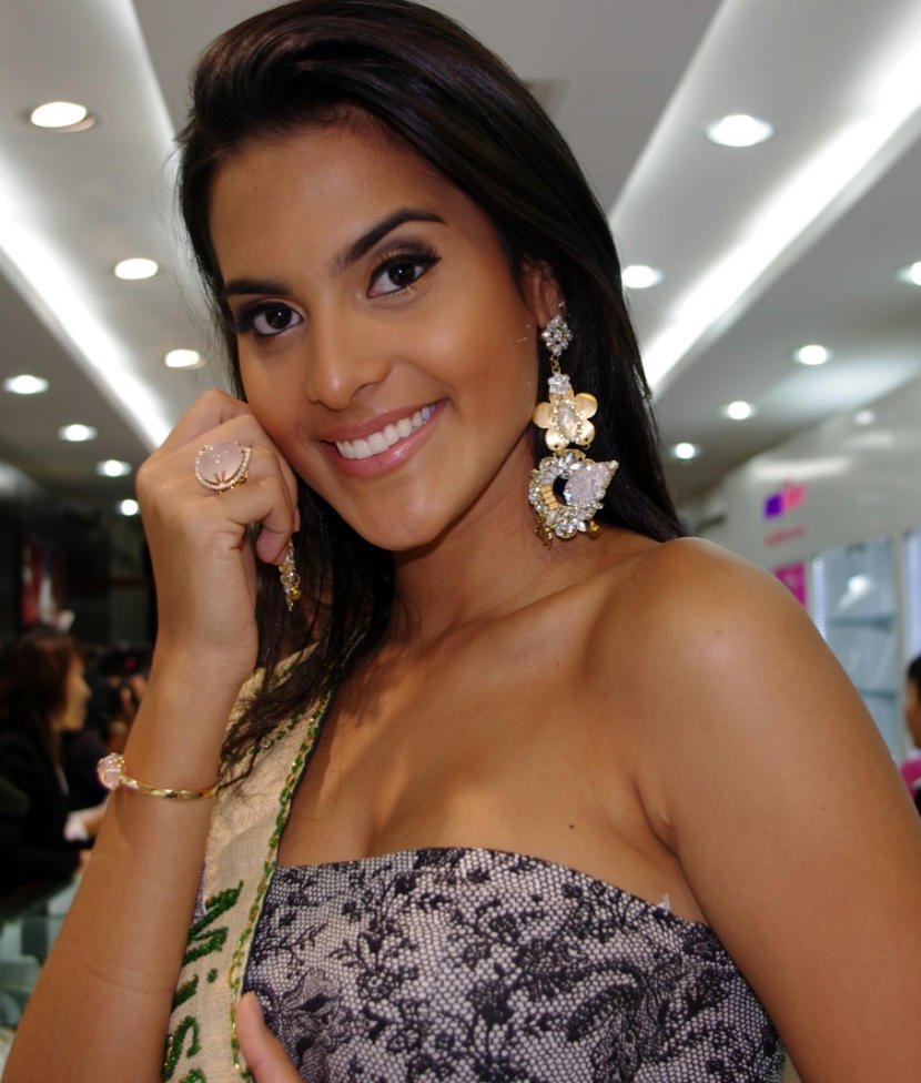 Larissa Ramos - Photo Actress