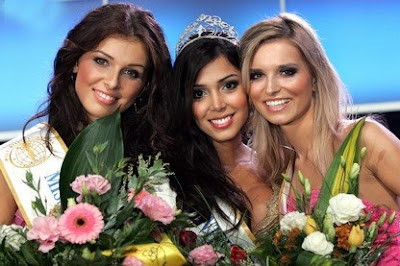 Miss Intercontinental 2008 Cristina Carmago with First and Second Runners-up
