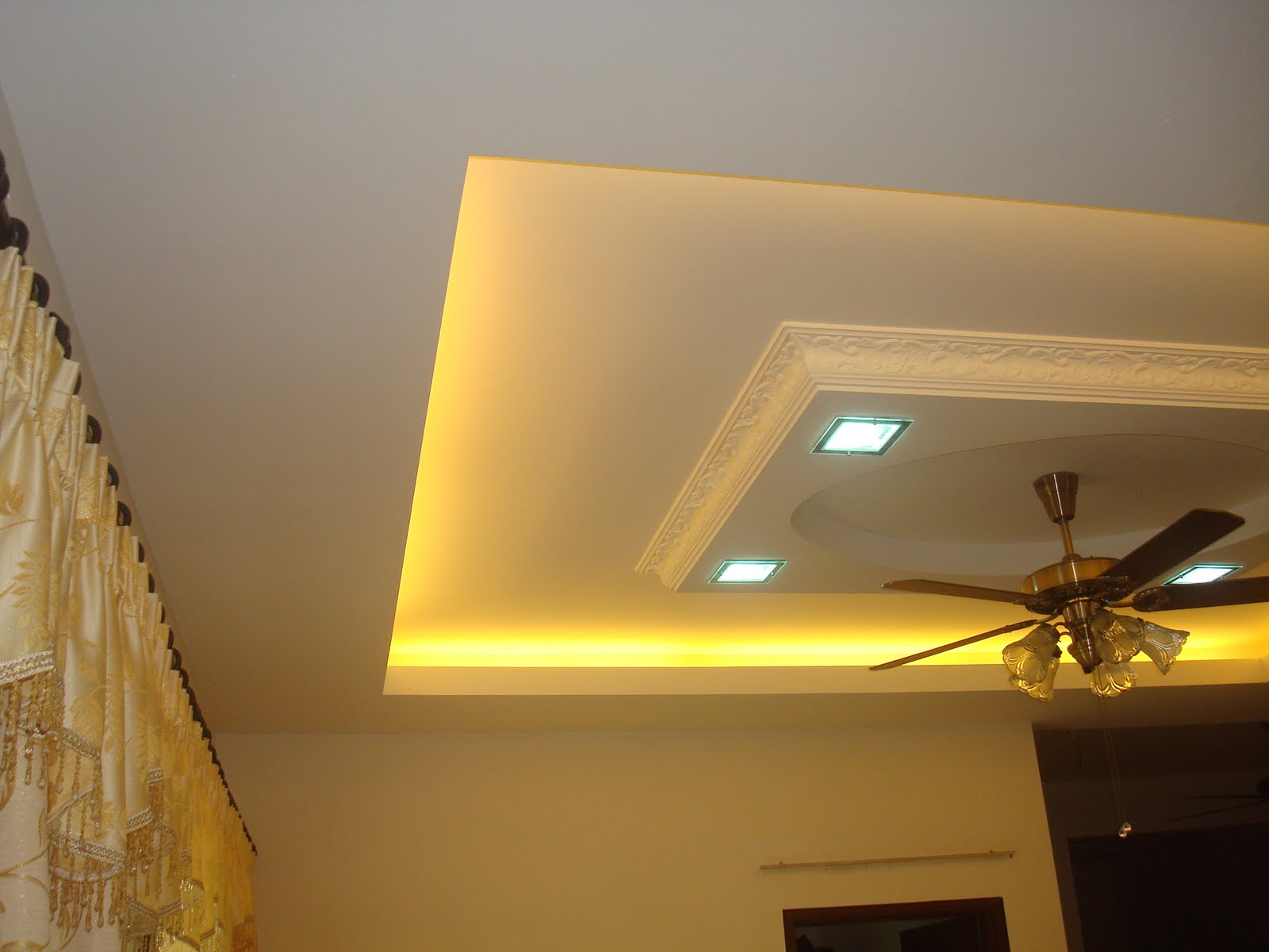 Hana Design & Construction: Plaster Ceiling