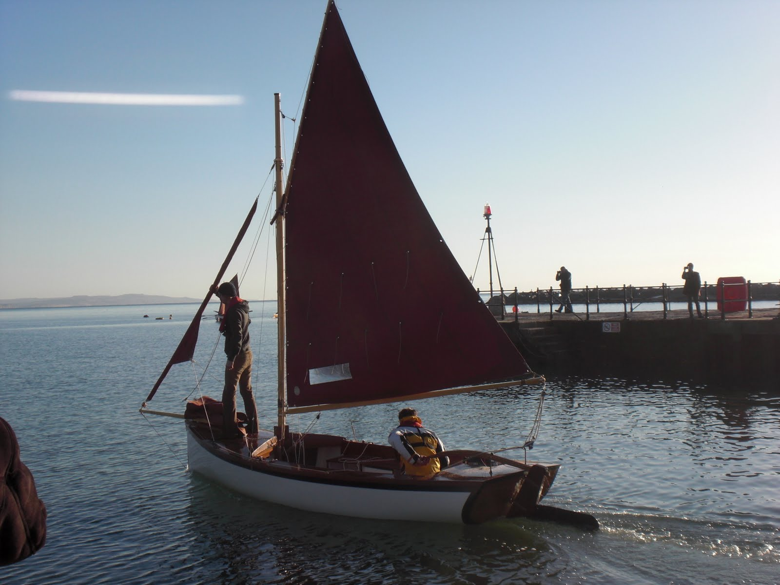 nice photo of Pearl's larger sister Annie with the gaff cutter rig ...
