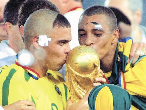 10 mejores futbolistas de la historia...