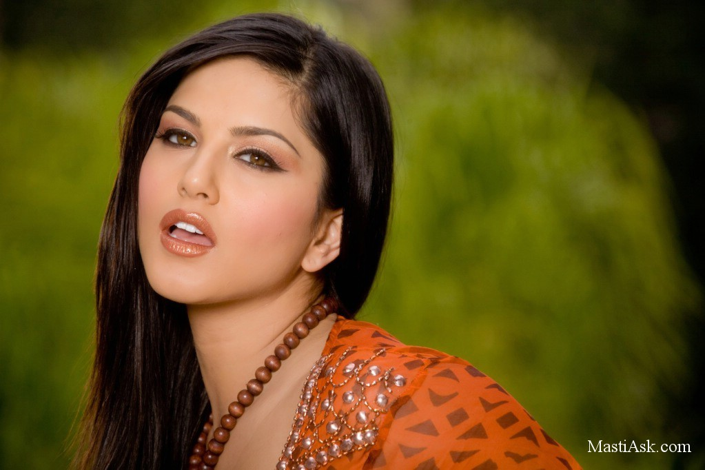 ... leone wallpapers free download sunny leone wallpapers for mobile