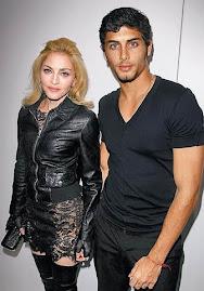Madonna (51) i jej naloznik Jezus Luz (23)