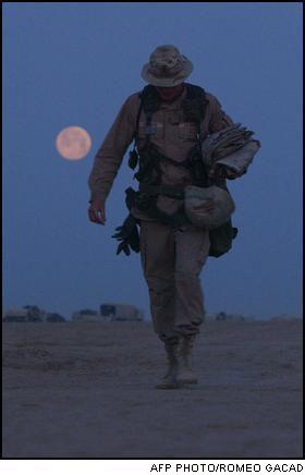 Ksiezyc nad Irakiem z lezaca twarza