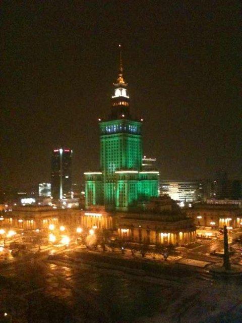 Palac Kultury i Nauki zamieniony na polska Kaabe