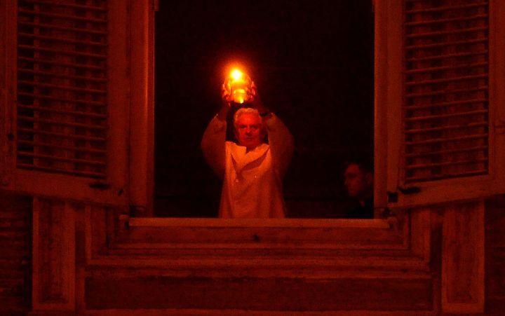 Nic zielonego w Watykanie, choc JP2 calowal Koran
