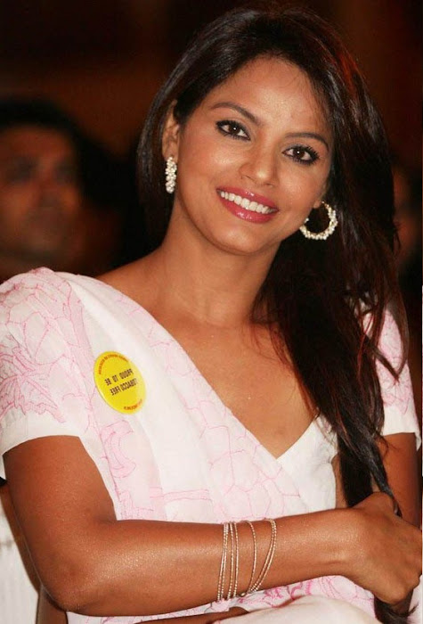 neetu chandra in saree hot photoshoot