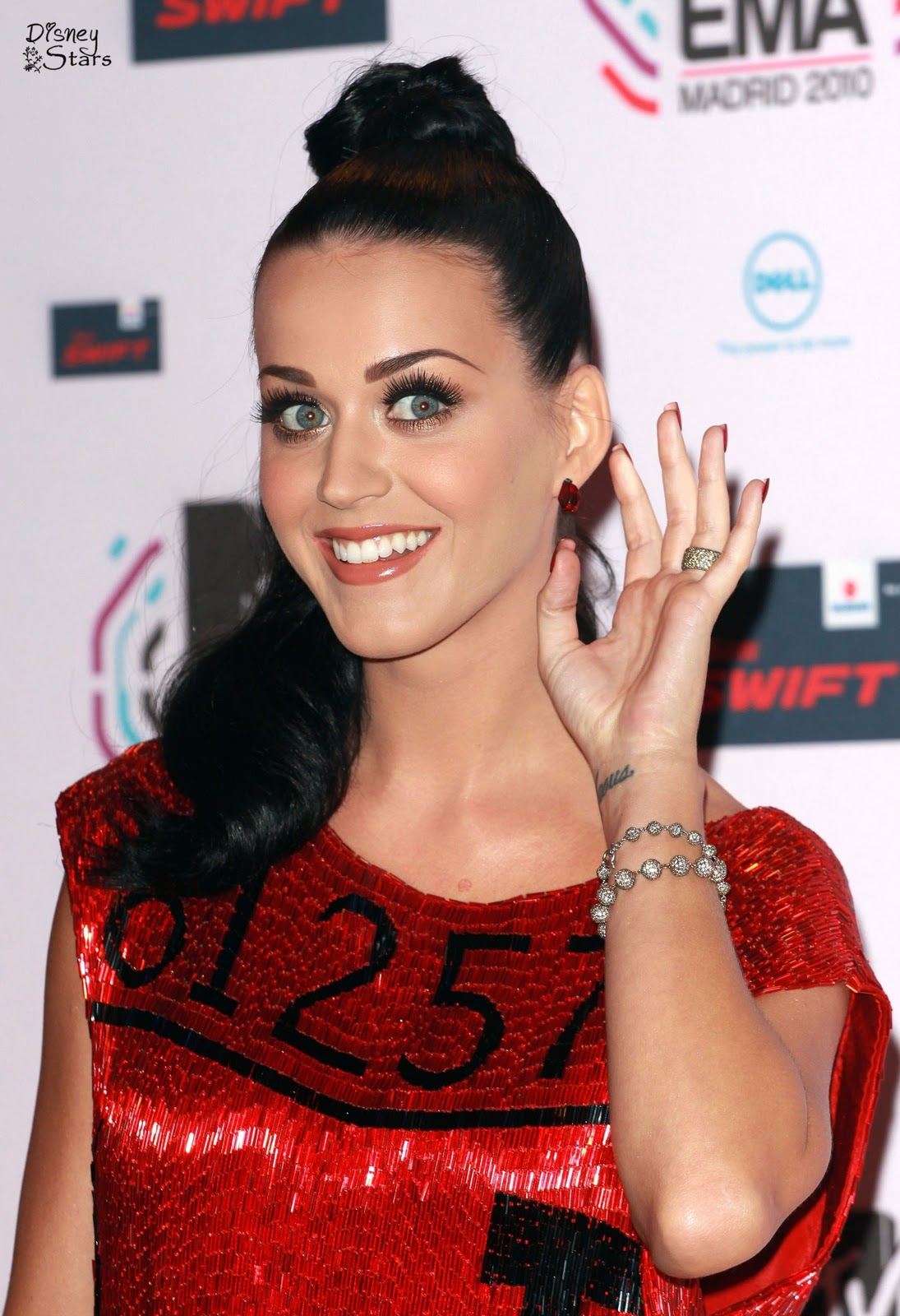 http://1.bp.blogspot.com/_mibZCo3wqkQ/TNf7o_yFM4I/AAAAAAAAFUI/atsrv0uXNcM/s1600/MTV-Europe-Music-Awards-2010-katy-perry-16804986-1741-2560.jpg