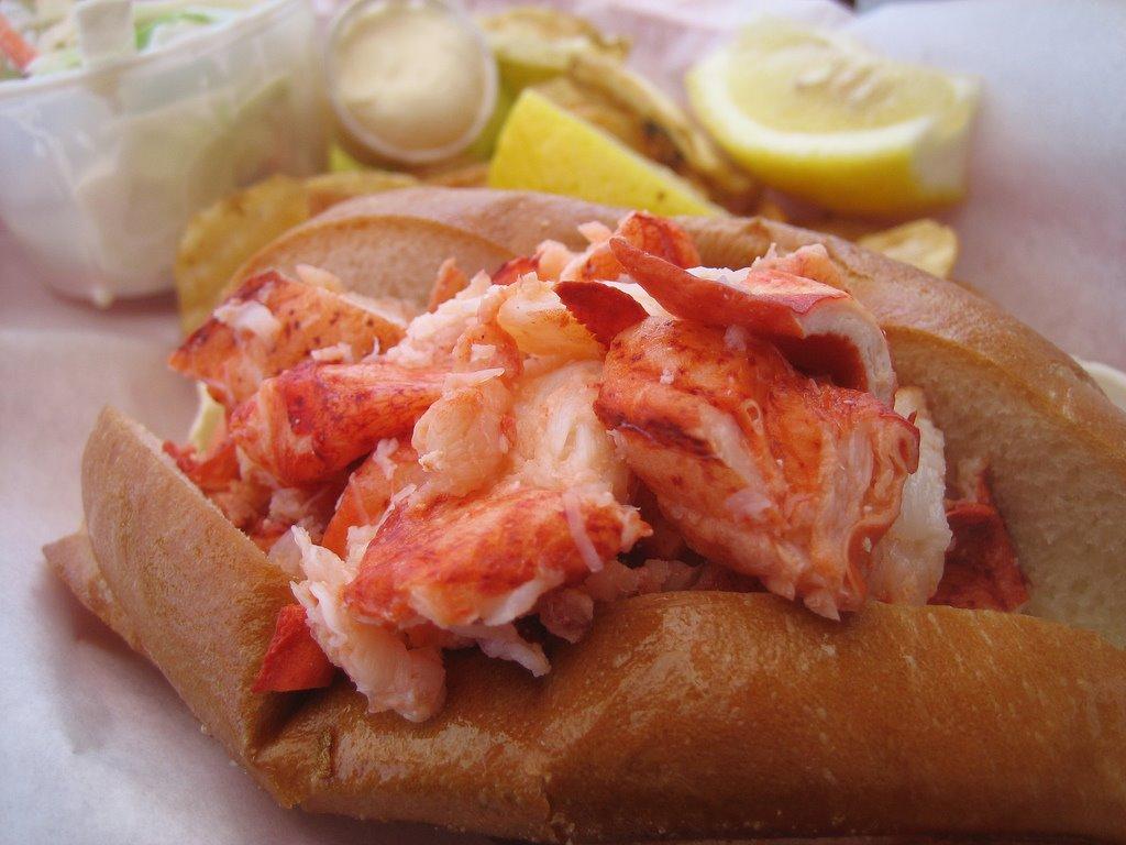[lobster+roll]