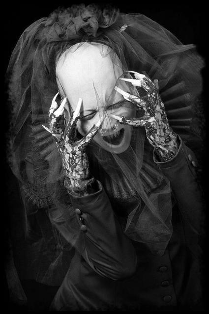 Sopor Aeternus and the Ensemble of Shadows 600full-sopor-aeternus