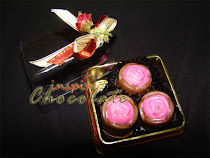 3pcs pralines in transparent box