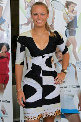 Picture of Caroline Wozniacki at the 2009 WTA Tour player awards in Miami