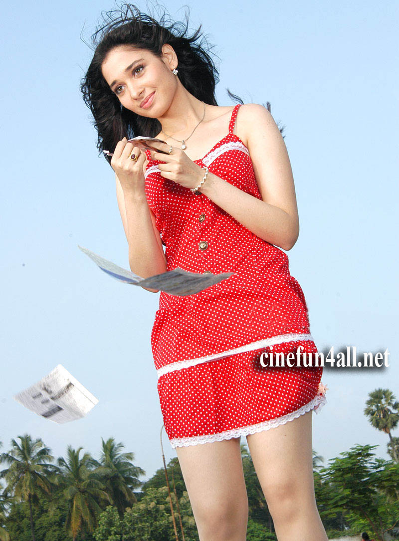 Hot Tamanna from south side showing thunder thighs | new hq images ...