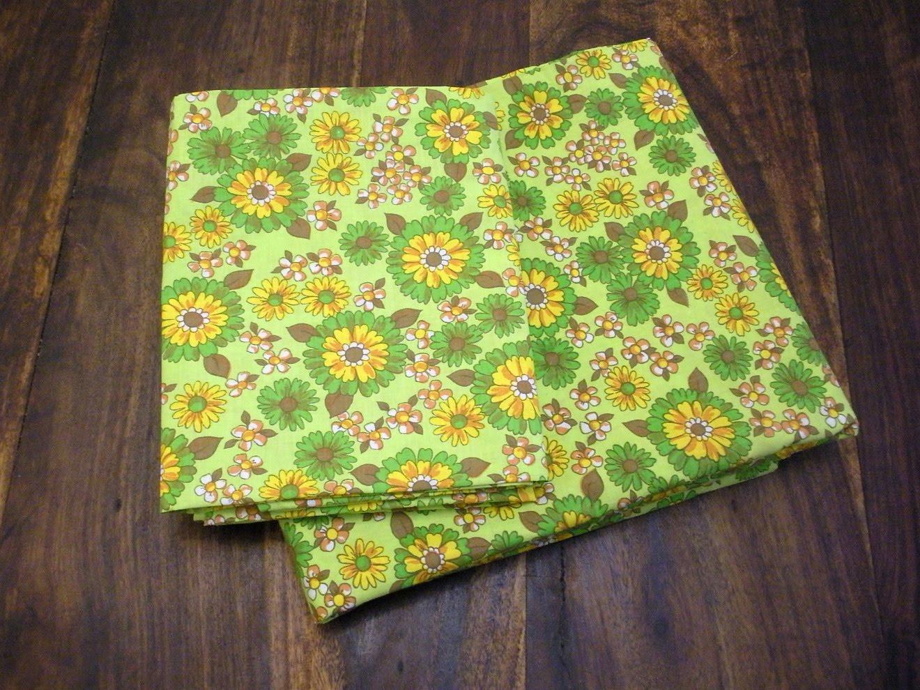Vintage Dri Glo sheet set in