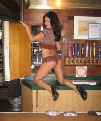 hot bartenders 42 Recopilación de fotos de camareras