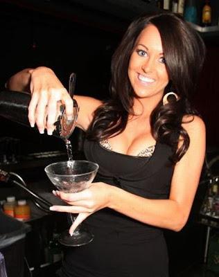 hot bartenders 33 Recopilación de fotos de camareras