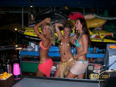 hot bartenders 11 Recopilación de fotos de camareras