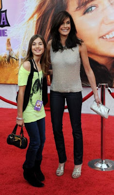 Teri  Hatcher and his daughter Emerson