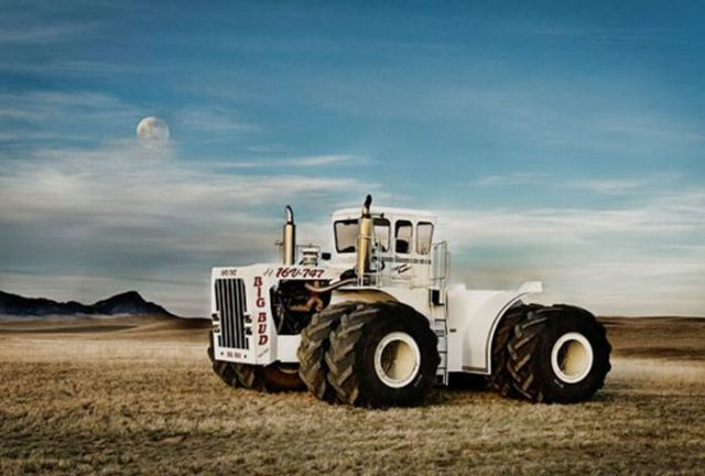 Large Tractor Wheels : The world s biggest farm tractor damn cool pictures