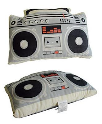 İlginç Yastık Tasarımları Funny-pillows-39