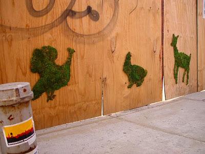 http://1.bp.blogspot.com/_mmBw3uzPnJI/SYtP_ytU6CI/AAAAAAAAgmY/GeNq2DStBho/s400/green-graffiti-edina-tokodi-03.jpg