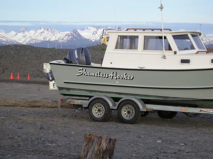 25 best boat names damn cool pictures Funny fishing boat names