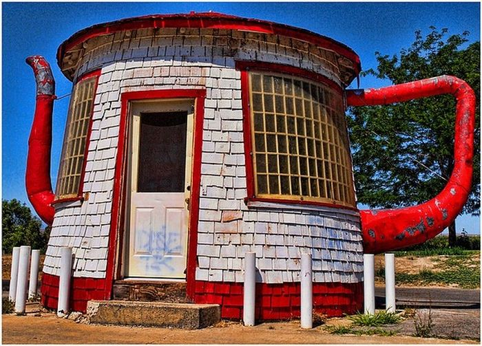 Teapot dome gas station in zillah washington damn cool for Unique houses